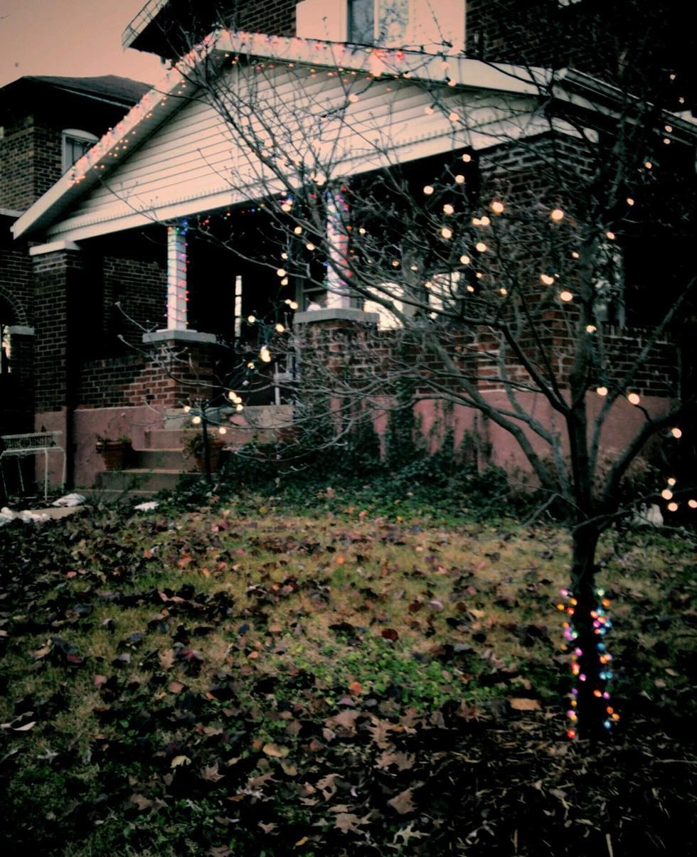 Sad-christmas-lights
