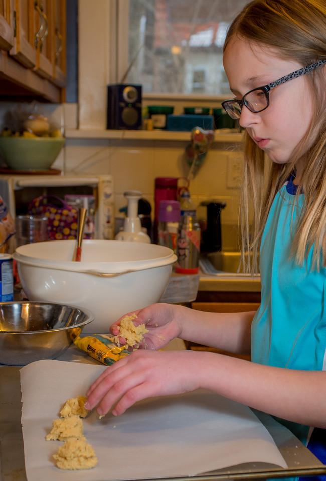 20140302-Baking Cookies-PMG_4649-X2.jpg