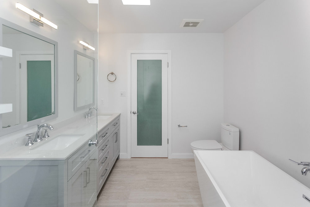 bathroom remodel photographer