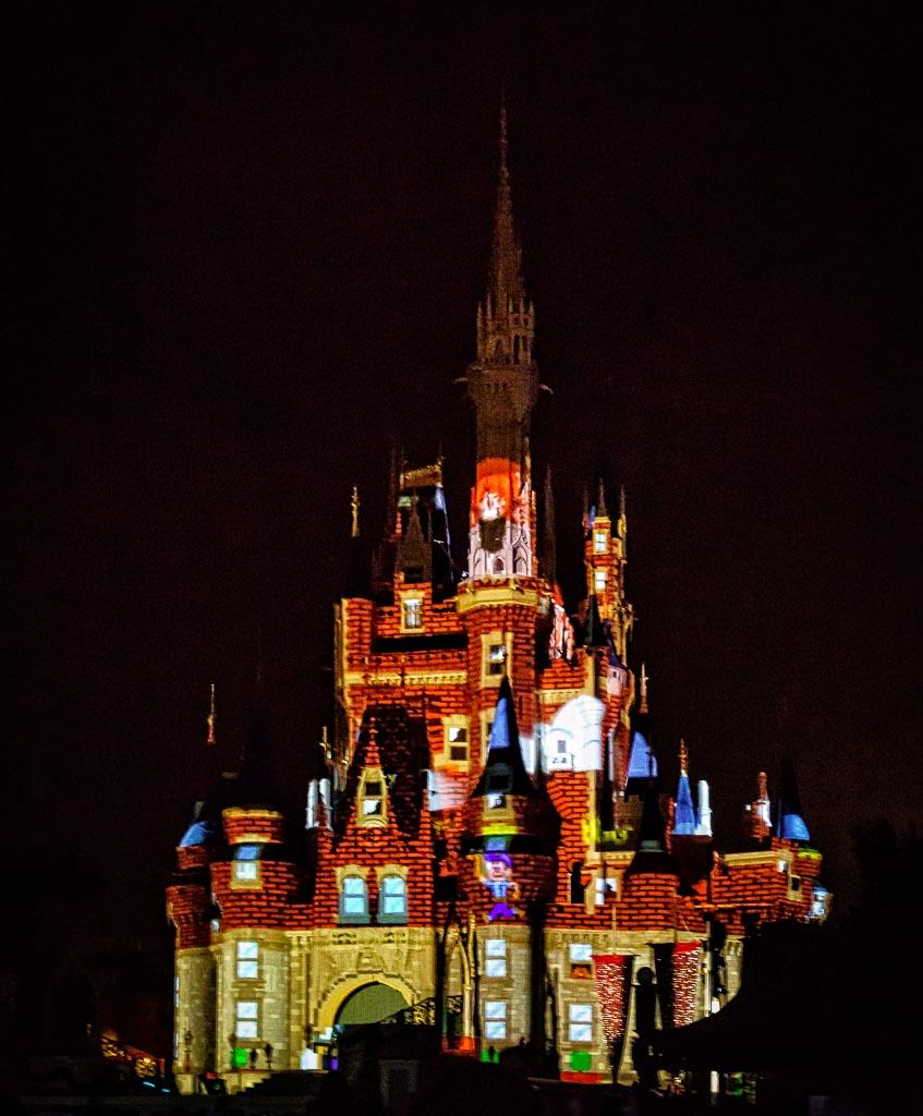 Cinderella's Castle, Magic Kingdom. Lake Buena Vista, Florida