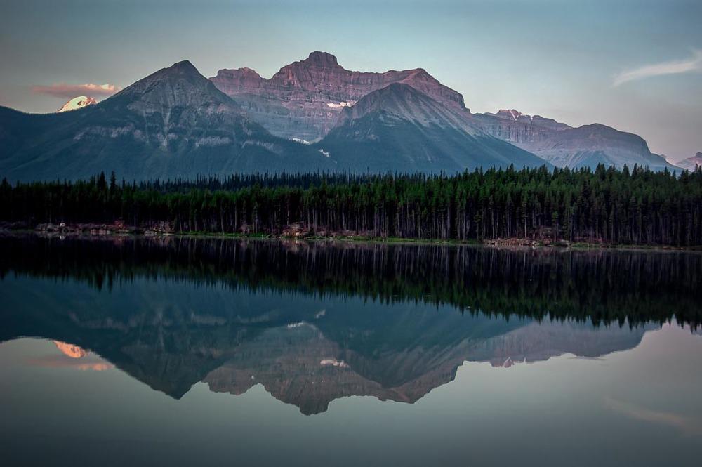 Herbert Lake , Icefields Parkway, Alberta, Canada