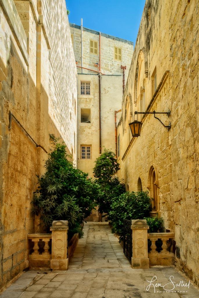 Maltese Alley