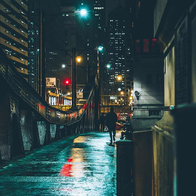 A city lit by fireflies. . . . . . . .  #photooftheday #igerschicago #visualsoflife #justgoshoot #artofvisuals #aov #peoplescreatives #exploretocreate #watchthisinstagood #moodygrams #gramslayers #ig_masterpiece #insta_chicago #flippinchi #artofchi #thecreatorclass #chicago #chiarchitecture #mychicagopix #insta_chicago #a6000 #visualseduction #illgrammers #mlmtr #chicagoshot #gramslayers #instagood #streetphotography #heatercentral