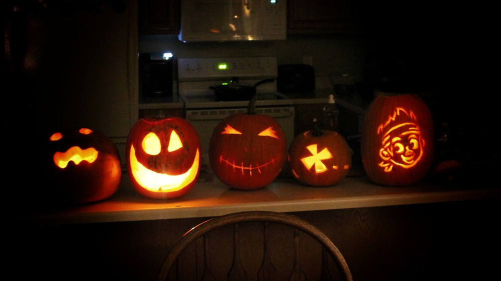 from left to right: Alex, Craig, Riley (me), a treasure map by me to go with Alyssa's Jake pumpkin