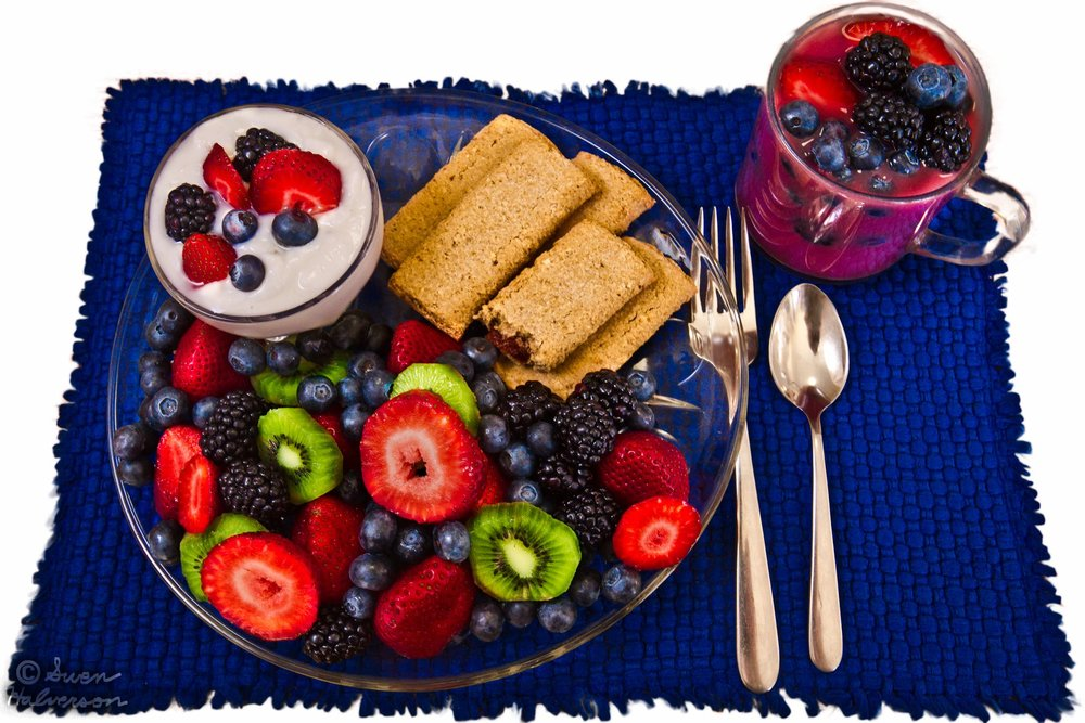 Theme: Blue <br>Title: The Very Berry Platter