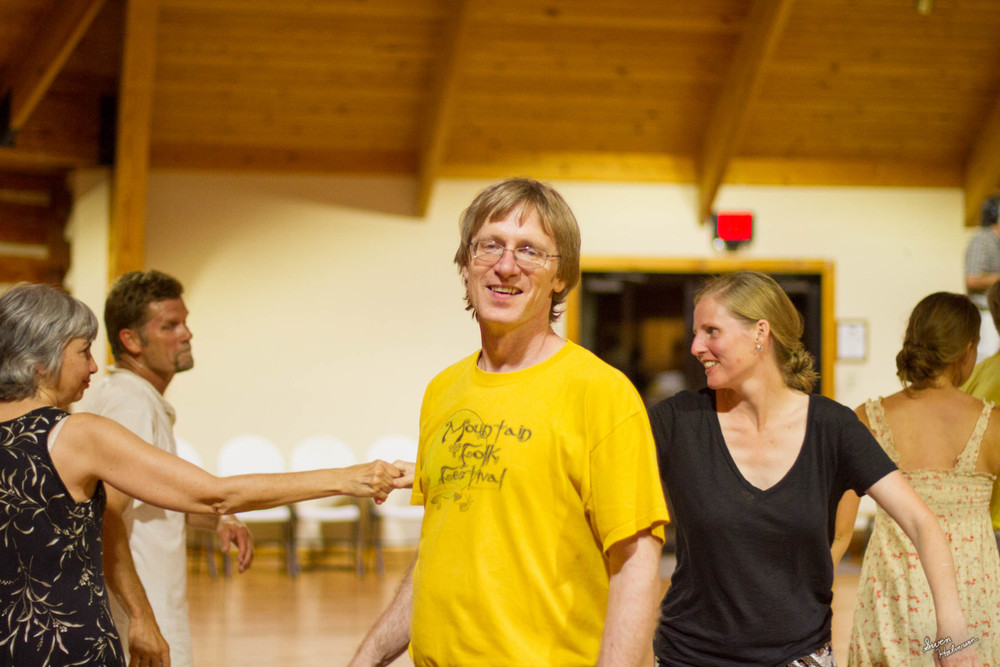 Contra dancing in Berea-030.jpg