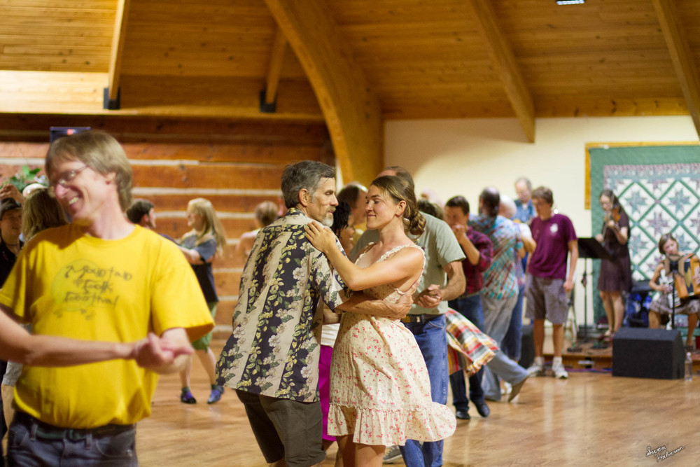 Contra dancing in Berea-031.jpg