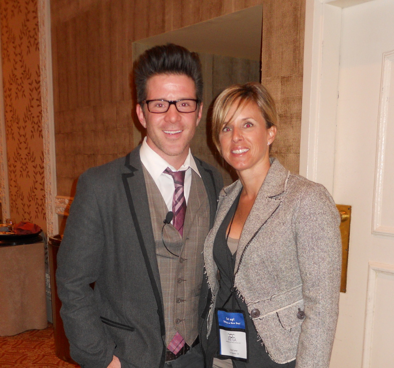 "www.matthewfinlason.com Look who I got to mingle with at the recent 2011 RESA Conference in Vegas!  The one and only Matthew Finlason!  He was so fun and had great insight into the new language of staging!  His buzz phrase:  ""Life Styling""!"