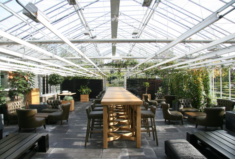 The greenhouse at De Kas Restaurant & Nursery, Amsterdam ( image via  Delood  )