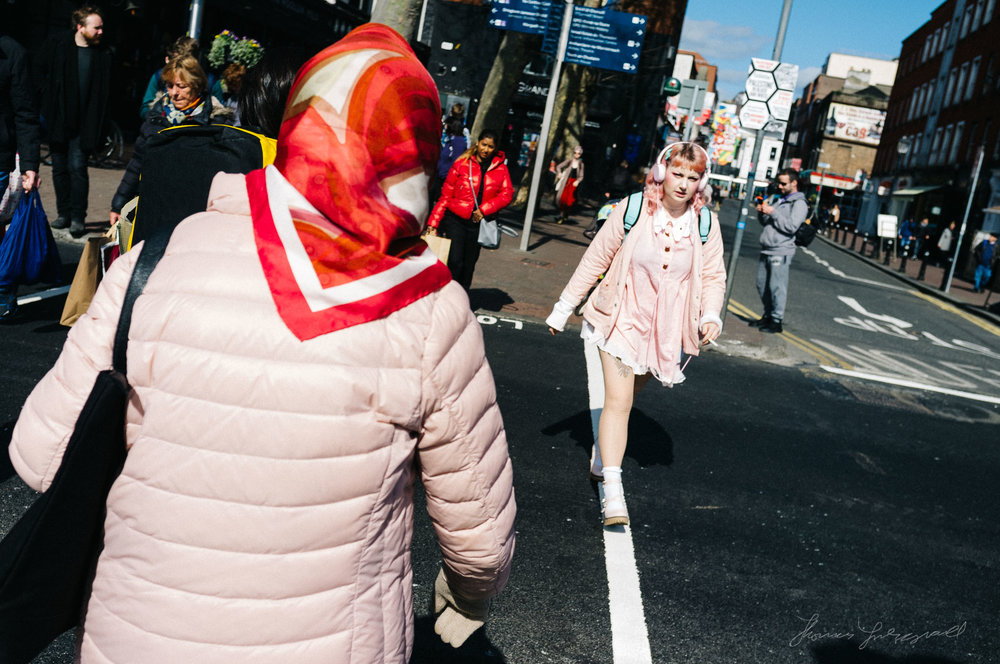 Pink is the new black - street photography with a Fuji X100