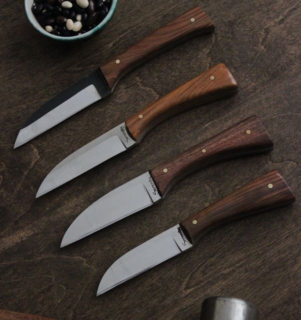 And the other 4 for Oxheart. This will bring them to 7 of these Japanese style steak knives.