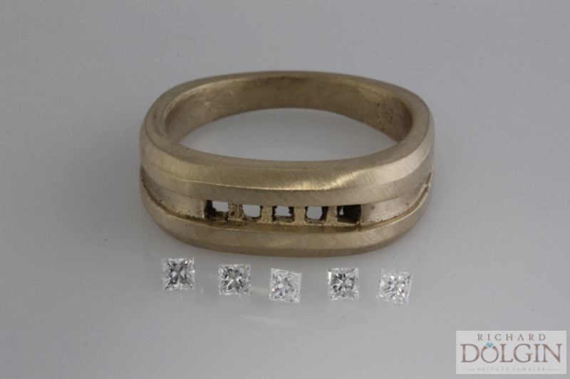 Ring ready to set
