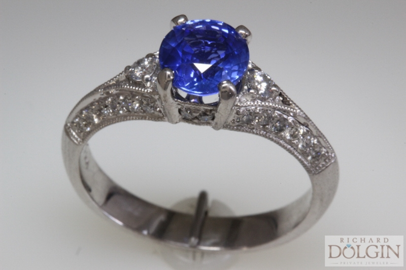 Sapphire in 18k White Gold