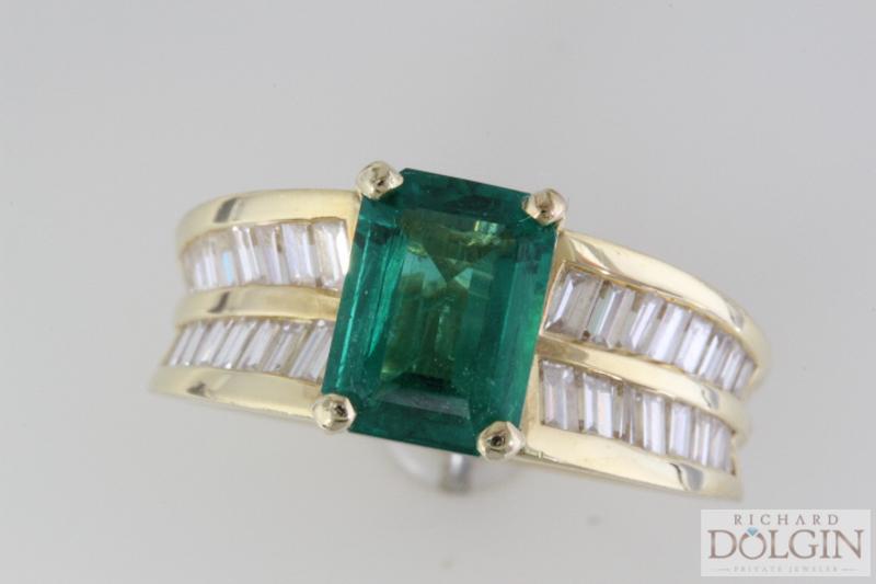 Columbian emerald in 18k gold