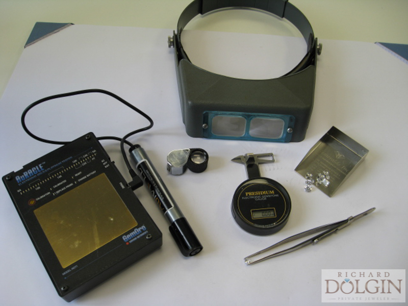 Diamond evaluation equipment