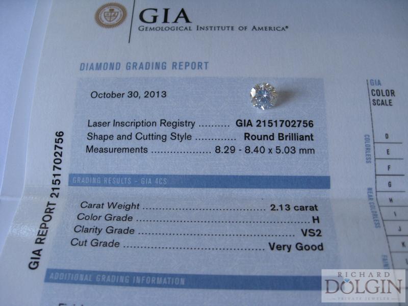Round diamond with report