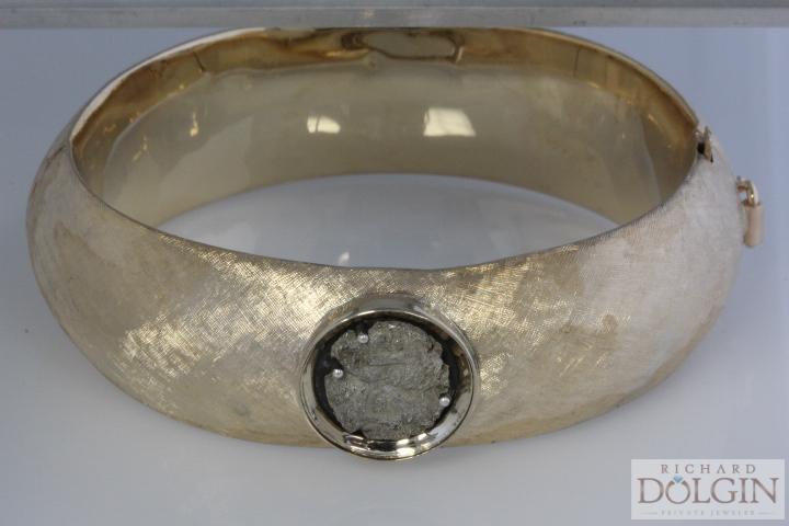 Redo your old bracelet