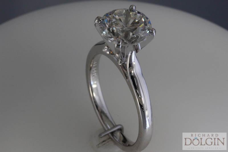 3 carat round brilliant engagement ring