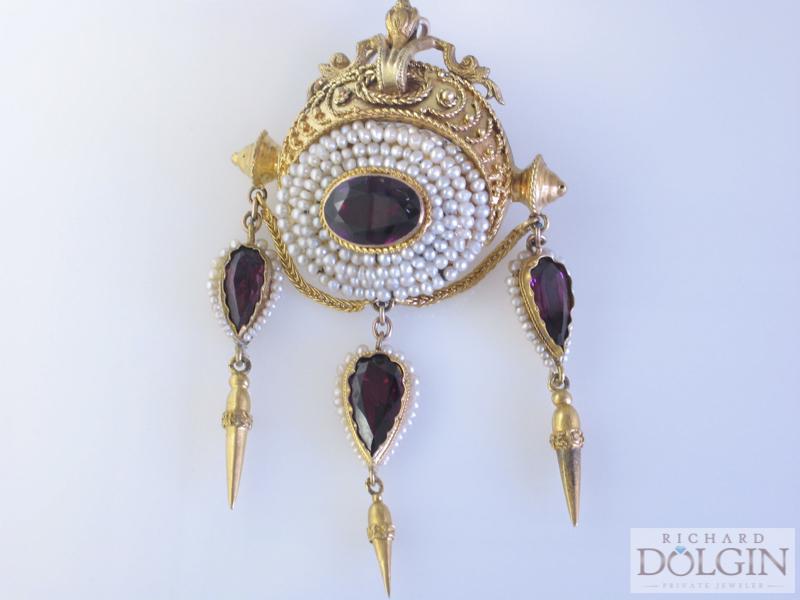 Victorian garnet and pearl broche