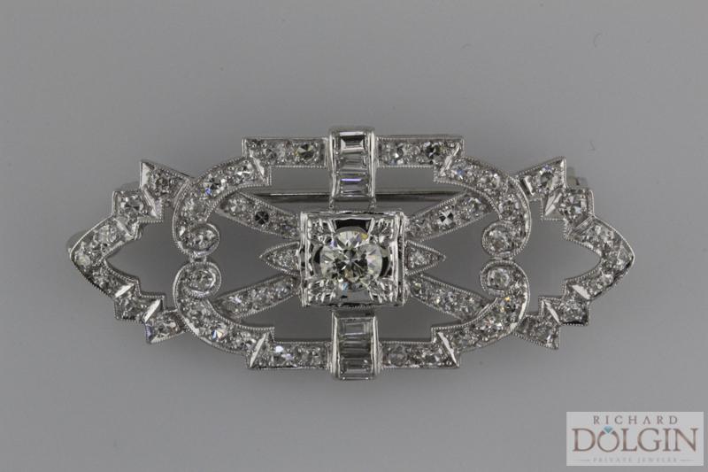 Platinum diamond broche