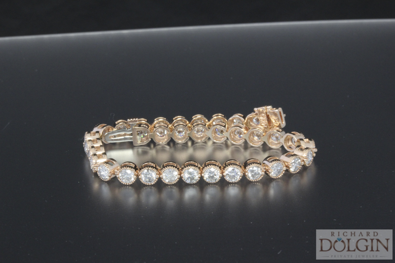 Beautiful 8.00 carat rose gold diamond bracelet