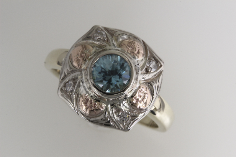 Vintage blue zircon and rose and yellow gold ring