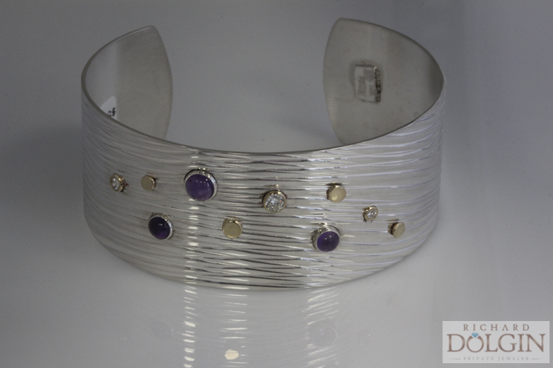 The Wave Cuff Bracelet With Amethyst