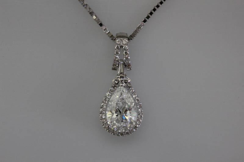 Pear shaped diamond pendant