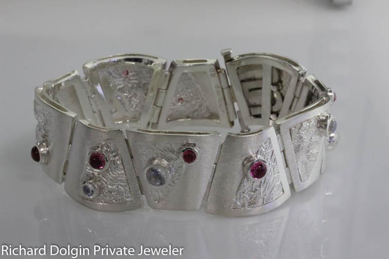 Custom made link bracelet