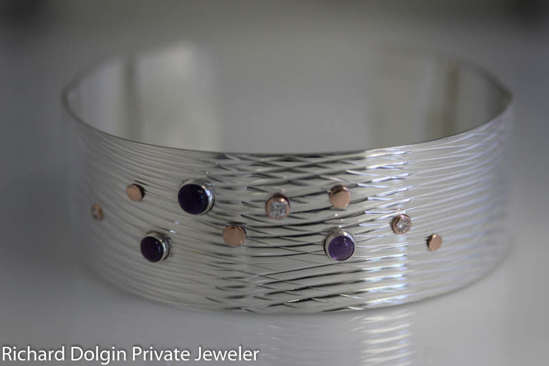 Wave bracelet with amethyst