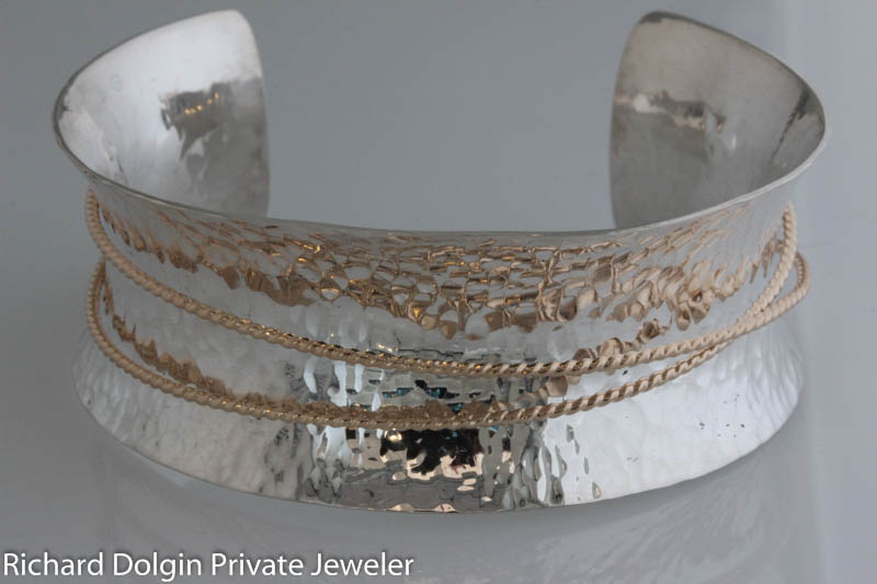 Inverted curve bracelet with silver and gold