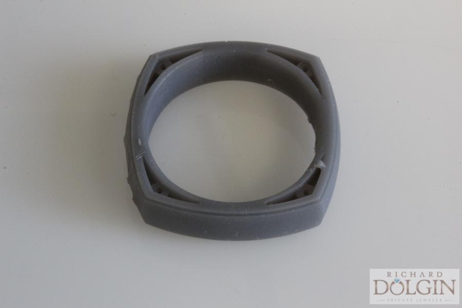 Plastic model of ring