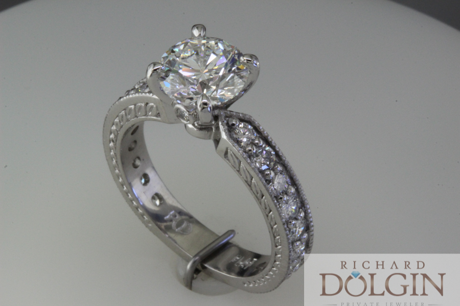 Round diamond with channel set band