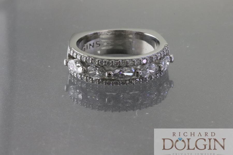 Center wedding ring