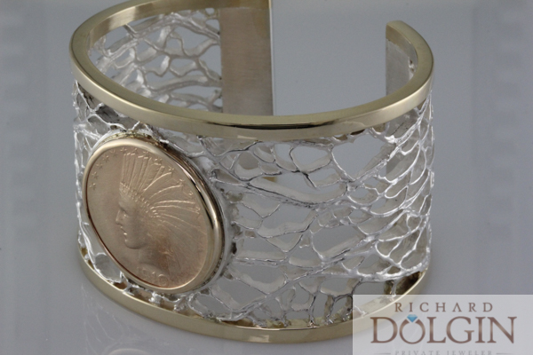Cactus coral with gold coin bracelet