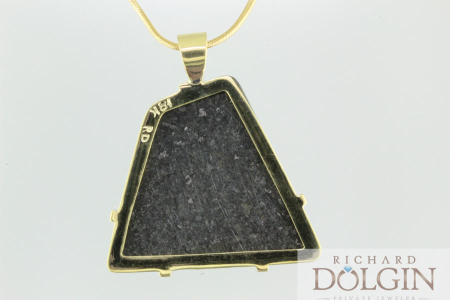 18k gold pendant frame