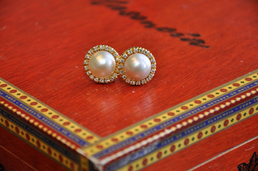 Pearl and diamond classic earrings