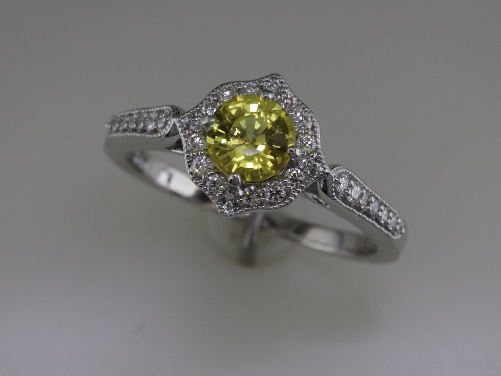Exquisite yellow sapphire ring