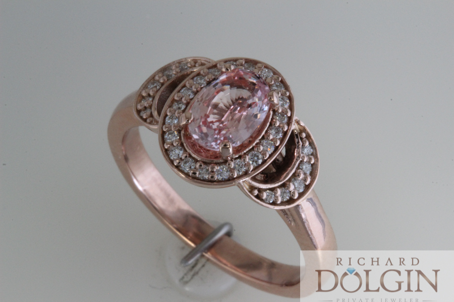 Pink sapphire in rose gold