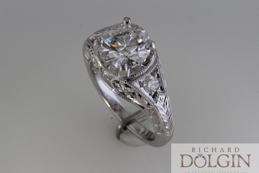 Diamond antique style ring