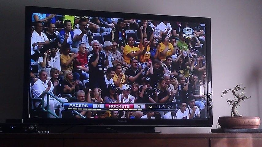 Friend and contributor to the Undebeatables, Connie, enjoying the Pacer game in Taipei with her friends. (Look for the yellow shirts.) Check out podcast Extras 003 for her impressions. You are definitely not getting firsthand commentary on international pre-season Pacer games from ESPN's pod!