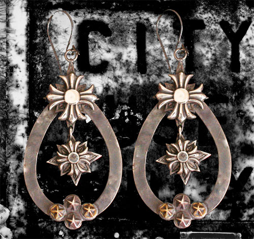 Blackened silver and gold tear drop earrings by D&A