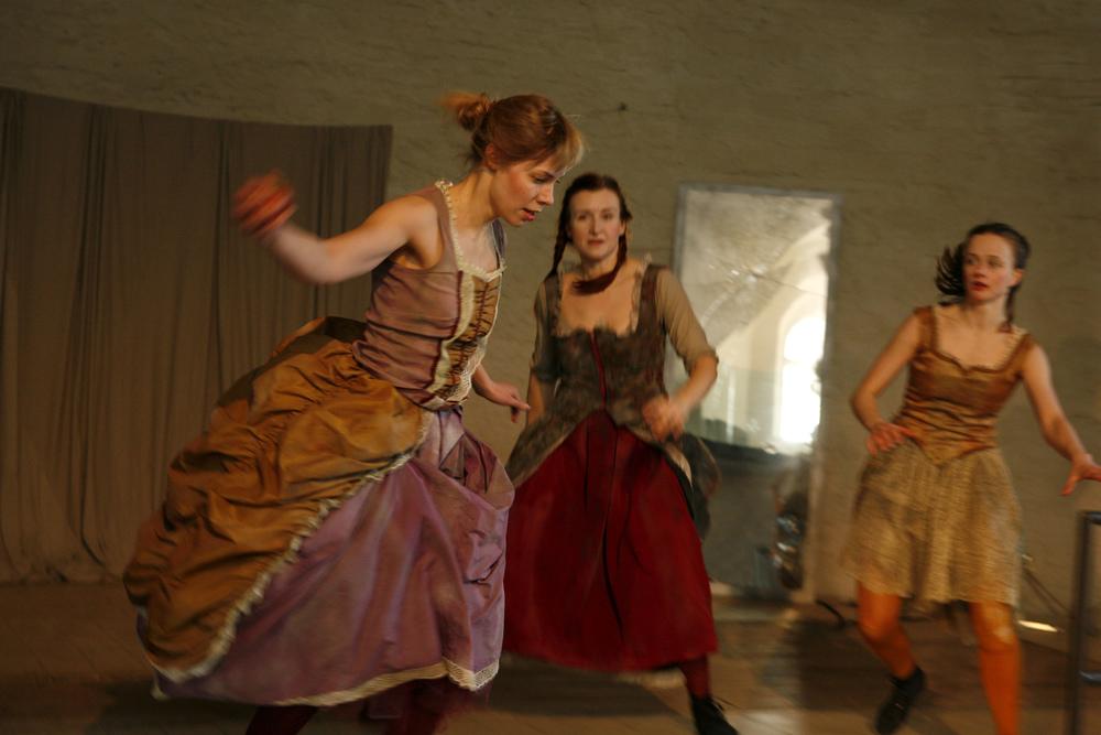 Photo: Marko Mäkinen, Dancer: Milla Koistinen, Tuovi Rantanen &Jenna Rignell
