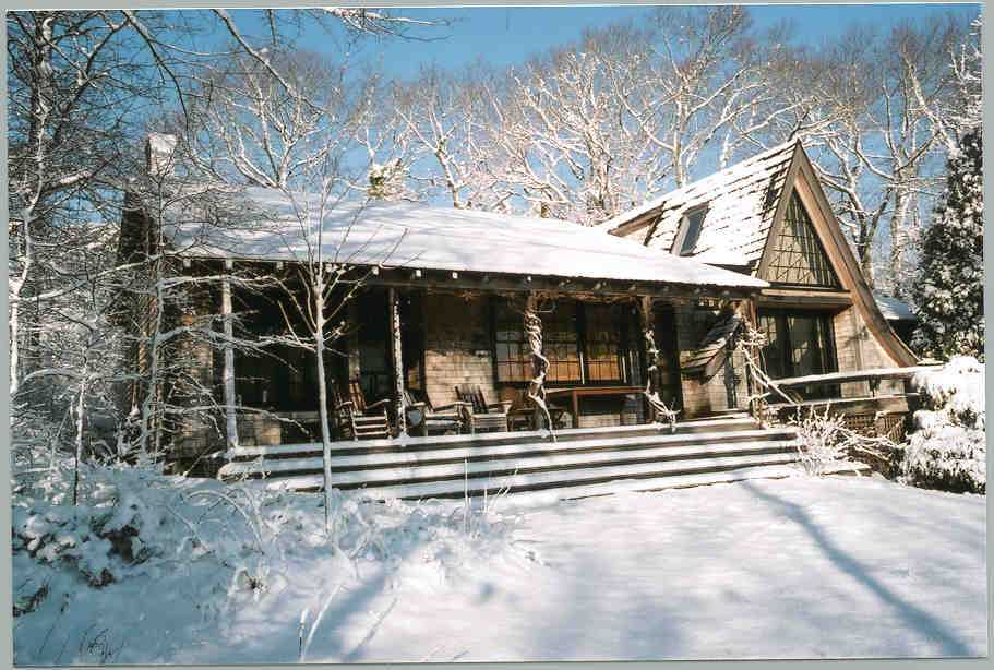 backofmainhouseinsnow1.jpg