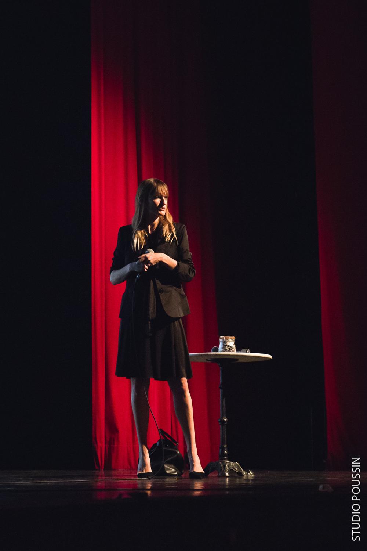 """Béa Johnson, lors de sa conférence """"Zéro déchet"""" à Saint Marcel"""