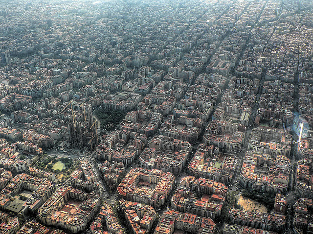 freevo :       Barcelona   (by  Aldas Kirvaitis ).    That seems like an organic town planning.