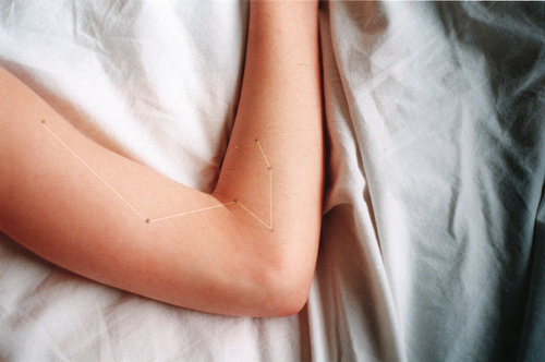 loveyourchaos :       razorbladesalvations :by  Florencia Alvarado