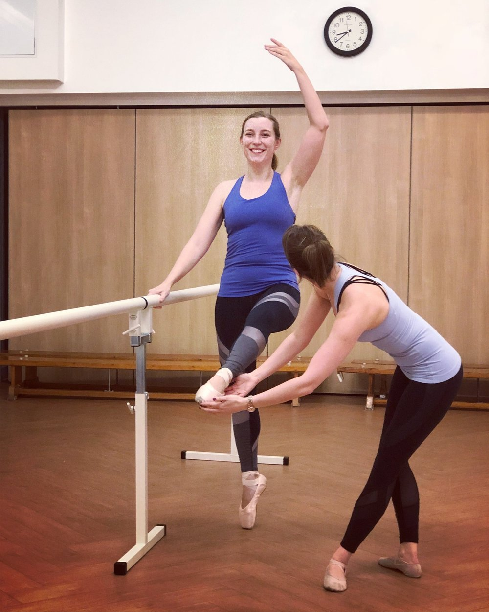One of our 'mummy' students back en pointe!