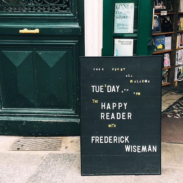 #TBT to this letterboard in front of Shakespeare & Company in Paris. Something about the whimsical mix of letters on this one that I super love. #everydayexplorersco