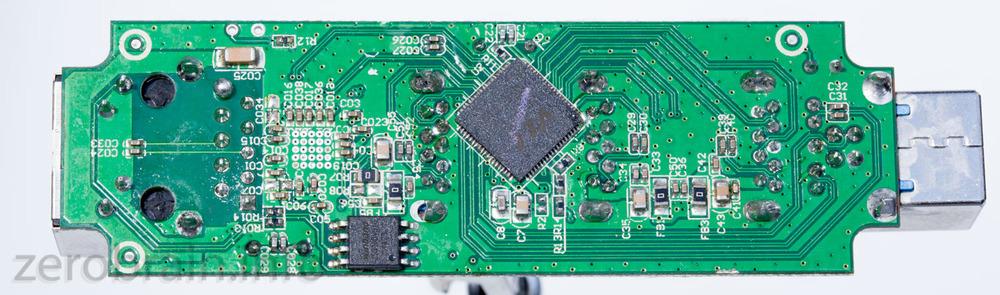 Unterseite: hier verteilt der VL812 die USB3 Signale